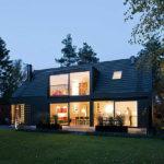 Уютный дизайн черного дома