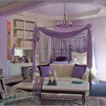 Уютный дизайн фиолетовой квартиры