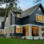 Вариант фасада дома черного цвета