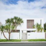 Вариант современного дизайна белого дома
