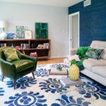 Вариант современного дизайна квартиры в синем цвете