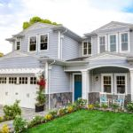 Вариант уютного дизайна современного белого дома