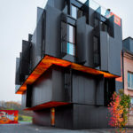 Якрость дизайна современного черного дома