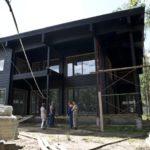 Оригинальный дизайн черного дома