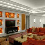 Яркий дизайн оранжевой квартиры