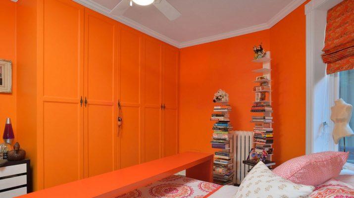 Яркий и необычный дизайн оранжевой квартиры