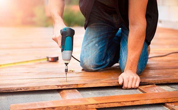 Как легально нанять рабочих-иностранцев для ремонта квартиры