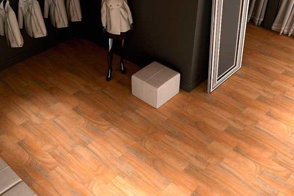 Как уложить напольную плитку в коридоре