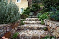 Лестница для садового участка