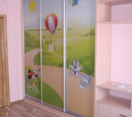 Шкафы-купе для детской комнаты