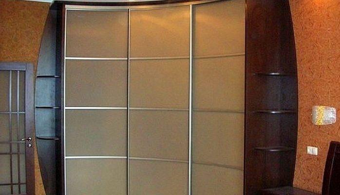Угловые шкафы-купе — свежий взгляд на привычные вещи