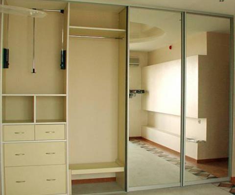 Зеркальные двери для шкафа-купе