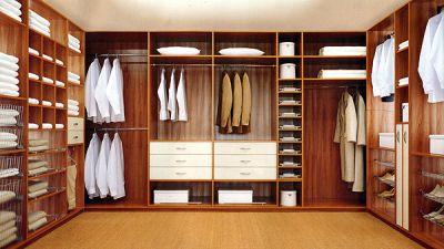 Достоинства гардеробной