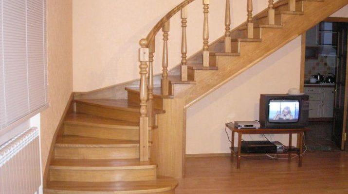 Межэтажная лестница в частном доме