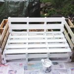 Садовая мебель из поддонов, сделанная своими руками