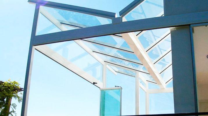 Навесы на основе стекла и их применение
