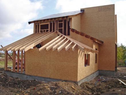 Строительство дома из СИП-панелей. Что нужно знать о материале