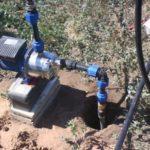 Скважина — лучший источник воды для дачного участка. Как её правильно пробурить?