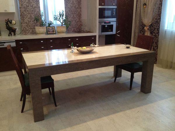 Кухонный стол из искусственного камня прямоугольной формы