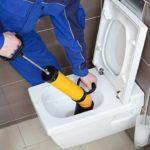 Пять способов как устранить засор в канализации