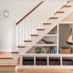 Как использовать пространство под лестницей?